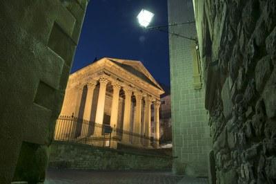 Temple romà i farola